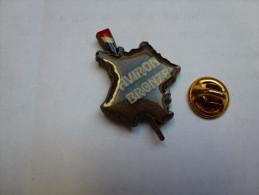 Superbe Pin´s , Aviron Bronze   , Carte De France - Roeisport