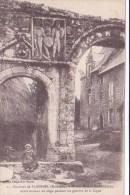 Morbihan, Environs De Ploermel, Ancien Manoir, Petite Fille Assise ( 14/34) - Ploërmel