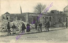 60. CREIL . Maisons Incendiées Par Les Allemands .Rue Gambetta . (Café Billard ) .  CPA Animée . - Creil