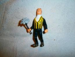 NESTOR    C HERGE 1994  TL PLASTOY - Tintin