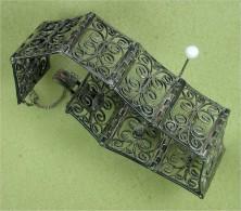 Filigranschmuck, Antikes Silber-Armband Mit Sicherheitskette - Bracelets