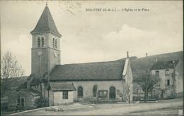 71 SOLUTRE POUILLY / L'Eglise Et La Place / - Frankreich