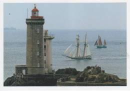 PLOUZANE, La Recouvrance Et Le N-D De Rumengol Devant Le Phare Du Minou Attendant La Jeanne D´Arc (Cartouest 131) - France