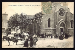 CPA ANCIENNE- FRANCE- ST-PIERRE-LE-BOEUF (42)- SORTIE DE LA GRAND'MESSE- TRES BELLE ANIMATION- ATTELAGE GROS PLAN- - Other Municipalities