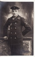 Carte Postale Photo Militaire Allemand Kaiser Marine S.M.S NASSAU Marin Photo Schlechtweg, Weimar - Bâteau Guerre - Personaggi