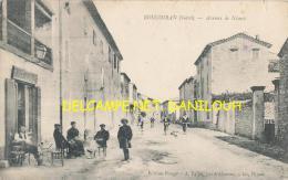 30 --- BOUCOIRAN   Avenue Du Nimes   ANIMEE Edit Pouget   CAFE - France