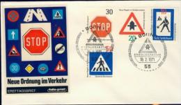 DV13-028 WEST GERMANY 1971 FDC MI 665-668 TRAFFIC SIGNS, VERKEERSBORDEN, VERKEHRSZEICHEN. - Transportmiddelen