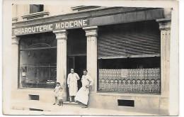 Devanture De MAGASIN - CHARCUTERIE MODERNE - CARTE PHOTO Non Située - Geschäfte