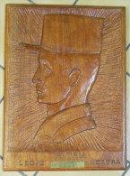 Portrait D´un Légionnaire En Bois Sculpté Souvenir D´un Ancien Adjudant Chef Légion Etrangere 46.8x34.5x2cm Monobloc - Army & War