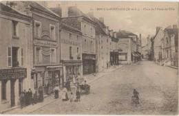 CPA 49 DOUE LA FONTAINE Place De L´Hôtel De Ville Commerces Banque Société Générale Grand Bazar Animation 1924 - Doue La Fontaine