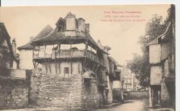 431 France -  Salies De Bearn Vieilles Maisons Sur Le Saleys. - Salies De Bearn