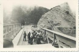 49Pr     Photo Guerre D´ Algerie Construction Ou Reparation D'un Pont Genie Militaire - Equipment