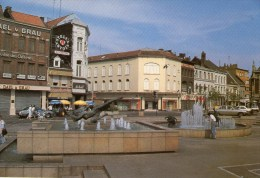 TOURCOING - Grand Place  - (Vieilles Voitures ...) - - Tourcoing