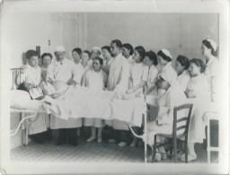 410Stu   Grande Photo école De Sage Femme Travaux Pratiques En Salle D'acouchement - Health