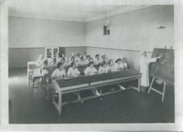 410Stu   Grande Photo école De Sage Femme En Salle De Cours - Health
