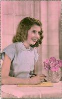 L52 .28 - Jeune Femme écrivant - Edition A.NoyerN° 3783 - Carte Rose Bordé De Doré - Donne