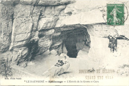 SASSENAGE - 38 - L'Entrée De La Grotte Et Cuve - VAN - - Sassenage