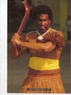 Fidji.. Iles Fidji.. Fijian Warrior With Club.. Guerrier Fidjien Avec Son Arme - Fidji