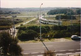 Côte Belge - Arrêt Dans Les Dunes De La Mer Du Nord 1992 - Trains