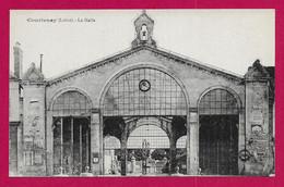 CPA Courtenay - La Halle - Courtenay