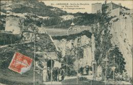 38 GRENOBLE / Le Jardin Des Dauphins, La Terrasse Dolle / - Grenoble