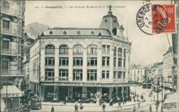 38 GRENOBLE / Les Galeries Modernes Et La Place Grenette / - Grenoble