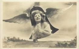 Ref C438- Voyage De Cloches - Cloche - Medaillon Femme - Artiste A Identifier - Theme Artistes -cloches   -femmes - - Femmes