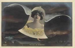 Ref C437- Voyage De Cloches - Cloche - Medaillon Femme - Artiste A Identifier - Theme Artistes -cloches   -femmes - - Femmes