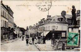 Liancourt - Un Coin De La Place Et Rue Victor Hugo - Liancourt