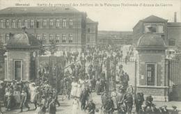 Herstal - Sortie Du Personnel Des Ateliers De La F.N. D'Armes De Guerre ( Voir Verso ) - Herstal
