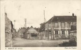 Broué (28). Place L'Eglise. Le Trvail Des Chevaux à La Sablière.  Circulé En 1948.. - Sonstige Gemeinden