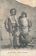 U U 131 / C P A  ALBANIE - COUPLE ALBANAIS - Albanie