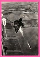 Le Saut Au Départ De L'avion - VERA FOTOGRAFIA - Manoeuvres