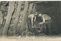 128 St Etienne Industries Mineurs Au Travail Boisage D Une Galerie CC Scieur - Mines