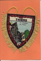 Ecusson  Tissu Ou Fanion   -   THIERS  -  Le Chateau Du Pirou       - 2 Scans - Ecussons Tissu