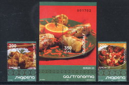 ALBANIA 2005 Europa: Gastronomy 2 Stamps + Block MNH / **.  Michel 3048-49, Block 158 - Albania