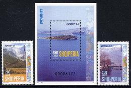 ALBANIA 2004 Europa: Holidays Set Of 2 + Block MNH / **.  Michel 2966-67, Block 150 - Albania