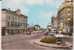 Val De Marne :VILLENEUVE  SAINT   GEORGES  : Rond  Point De La  Gare  ( Bus) - Villeneuve Saint Georges