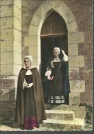 """FLOKLORE..BERRY.....scènes Et Costumes Régionaux...""""sortie De Messe"""".....15 X 10.5 - Costumes"""