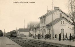 CPA - 42 - LA PACAUDIERE - La Gare  - 930 - La Pacaudiere