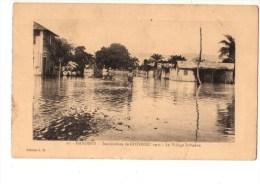 C P A--AFRIQUE  DAHOMEY-les Inondations De COTONOU 1925--le Village Indigène---voir 2 Scans - Dahomey