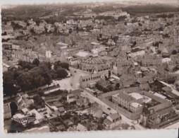 DINAN  ( C. Du Nord )  -  Vue Aérienne, Au Centre La Place Leclerc. ( Carte Semi Moderne Format 10 X 15 ). - Dinan