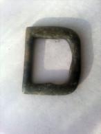 Grosse Boucle De Ceinture (medieval) En Bronze Detecting Find - Belts & Buckles