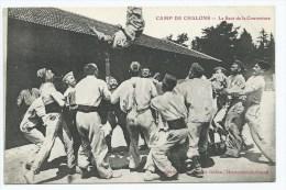 CPA TRES ANIMEE CAMP DE CHALONS, ANIMATION, LE SAUT DE LA COUVERTURE, MARNE 51 - Camp De Châlons - Mourmelon