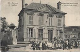 78 - Environ De Meulan - Aulnay-sur-Mauldre - Ecoliers Et Enseignantes Posent Devant La Mairie Et L´Ecole - Frankreich