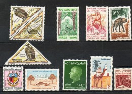 AFRIQUE    10 Timbres  De Différents Pays     Neufs Avec Charnière - Timbres