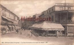 17 - ROYAN  -  Rue Gambetta Et Le Café Des Bains  - Dos Vierge  - 2 Scans - Royan