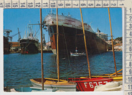 LA CIOTAT - Vue Sur Les Chantiers Navals  Piroscafi Ferry Boat Navi Ships - La Ciotat