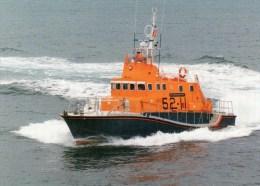 Postcard - Falmouth Lifeboat, Cornwall. B - Ships