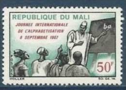 """Mali YT 105 """" Alphabétisation """" 1967 Neuf** - Mali (1959-...)"""